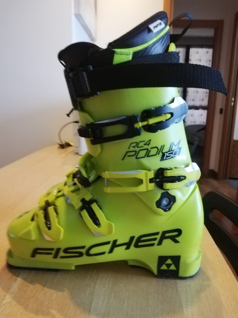 Scarponi Fischer Race RC4 Podium